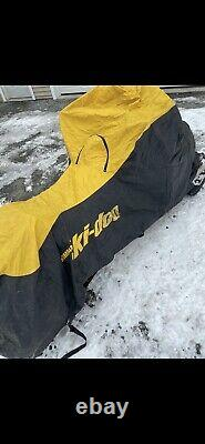 Skidoo Zx Châssis Cover Great Shape